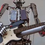 mov)Robots play music